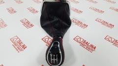 Ручка КПП с пыльником, хромированной рамкой и прострочкой на ЛАДА ВЕСТА